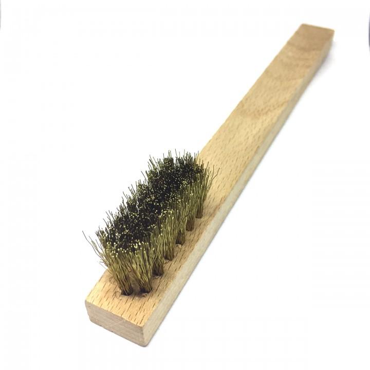 Cepillo de limpieza con cerdas de latón
